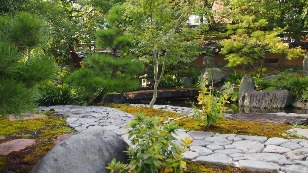湯島天神の庭園
